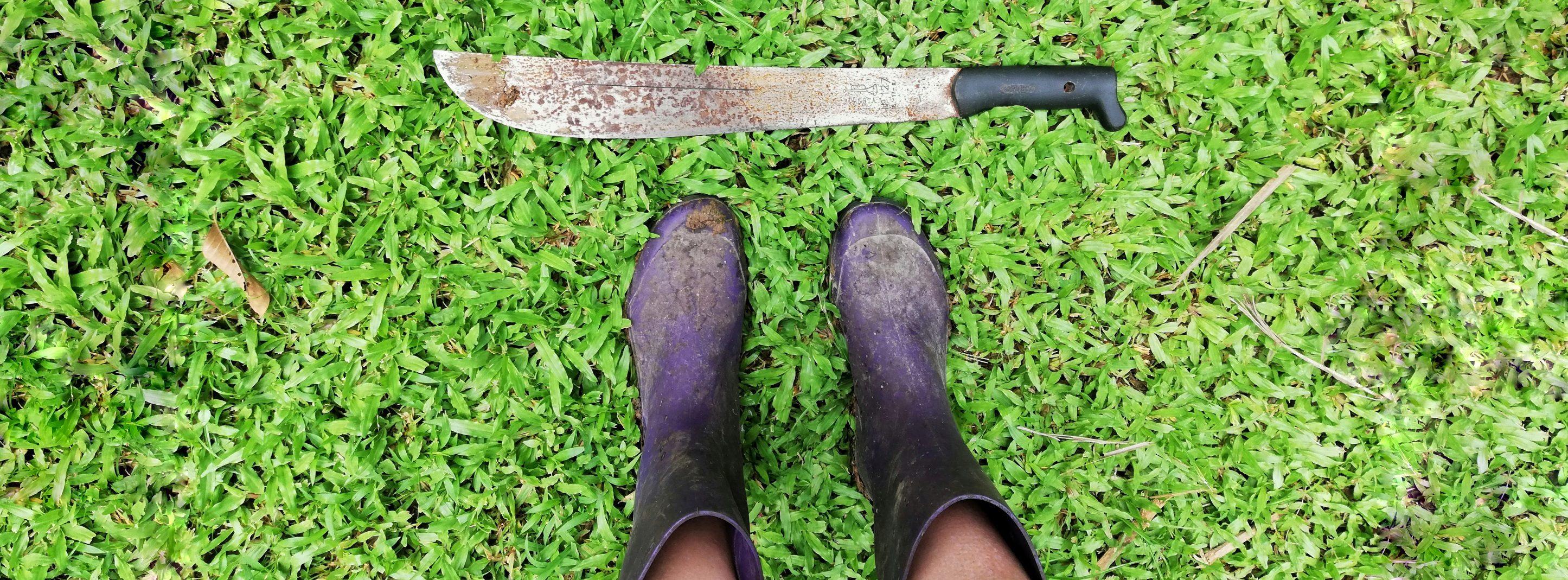 laarzen en machete
